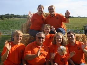 family-pic-waving